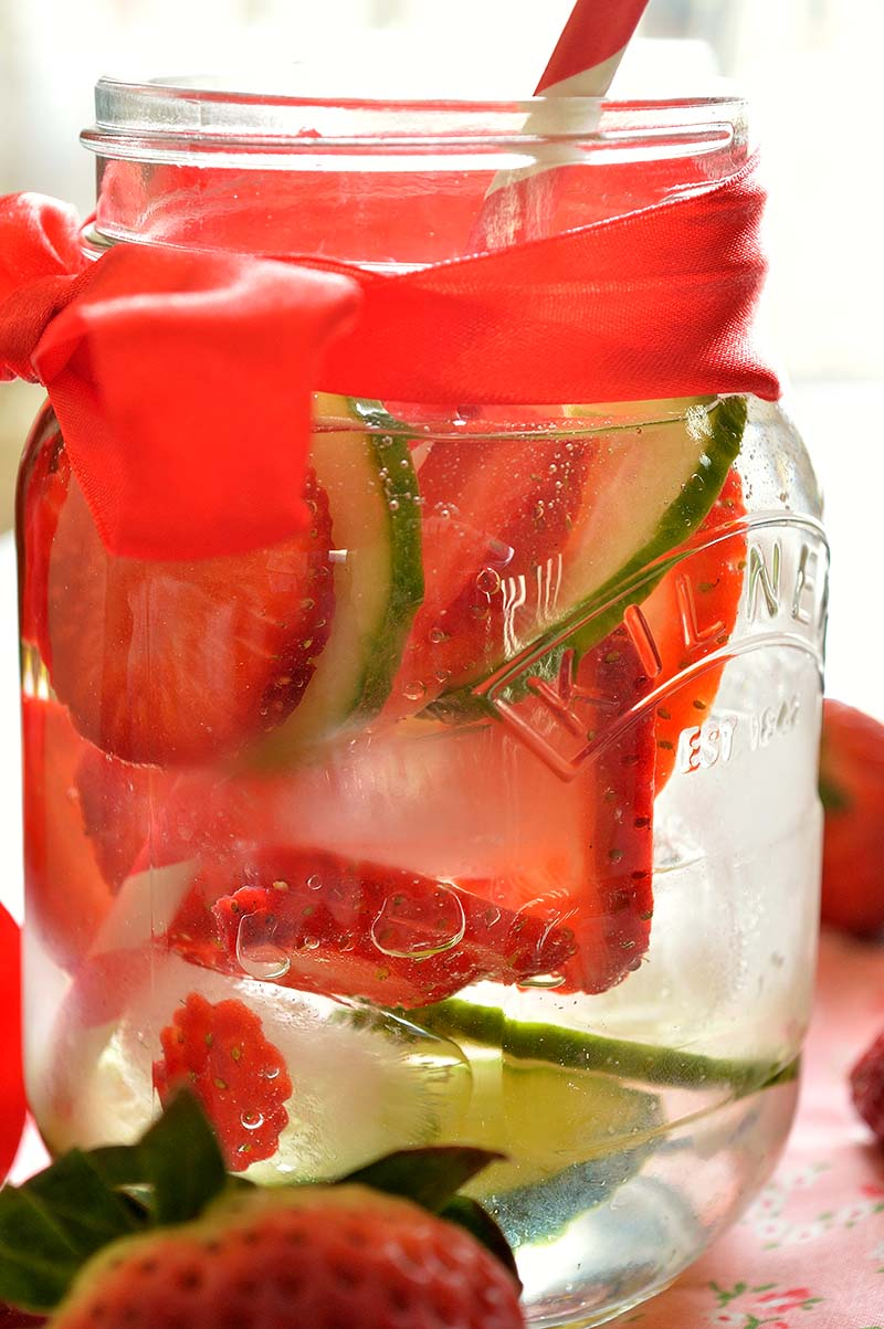 infused water  momsfitnessheaven.com