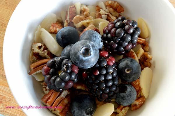 berry granola momasitnessheaven