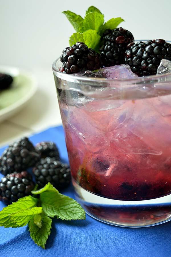 blackberry water with mint momsfitnessheaven