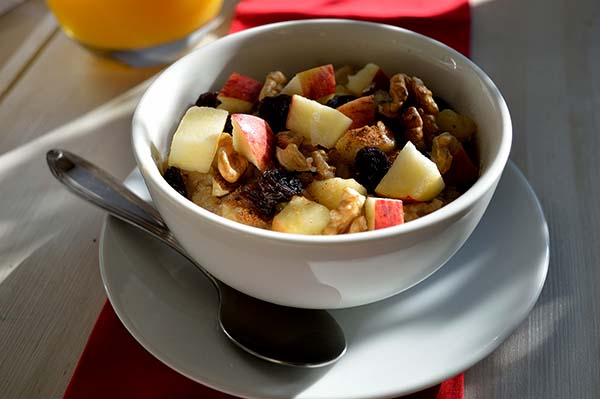 apple cinnamon oatmeal 1