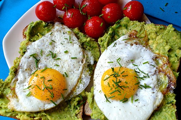avocado toast egg