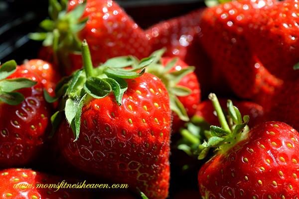 strawberries momsfitnessheaven b