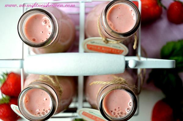 0 strawberri- basil smoothie moms fitness heaven 1
