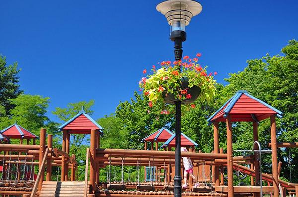 playground-672991_640