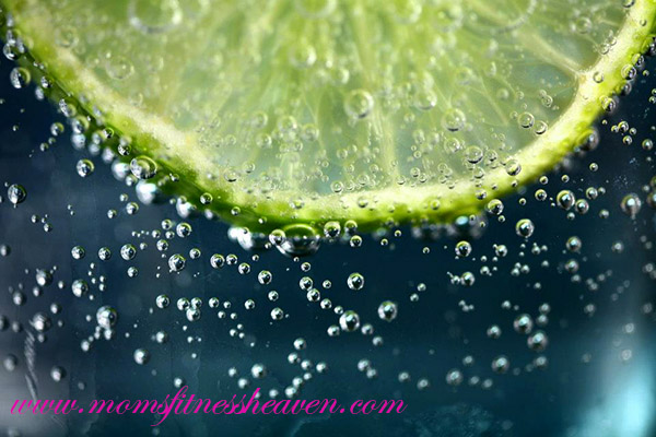 lemon water momsfitnessheaven